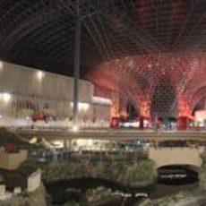 Interior del parque de atracciones de Ferrari