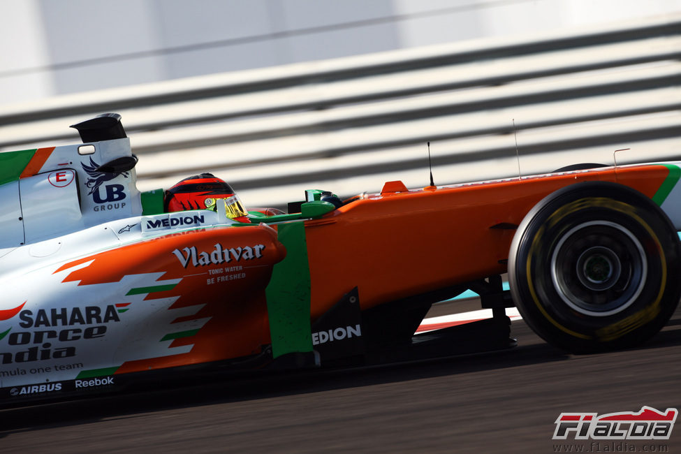 Max Chilton en Yas Marina a los mandos del Force India