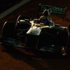 Sam Bird pilota el W02 en los test de Yas Marina