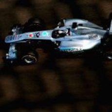 El Mercedes GP con Sam Bird a los mandos en los test de Yas Marina
