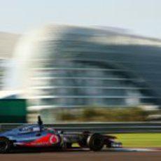 El McLaren con Paffett a los mandos en Abu Dabi