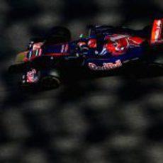 Kevin Ceccon a los mandos del Toro Rosso en los test de Abu Dabi 2011