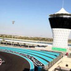 El circuito de Yas Marina durante los test para jóvenes pilotos de Abu Dabi 2011