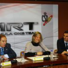 Carlos Gracia, Matilde García y Pedro de la Rosa en el CSD de Madrid