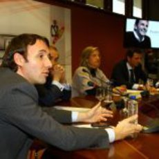 Saúl Ruiz de Marcos responde a las preguntas de la prensa sobre HRT