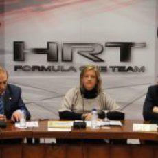 Carlos Gracia, Matilde García y Pedro de la Rosa en la presentación de Madrid