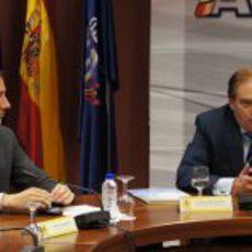 Saúl Ruiz de Marcos y Carlos Gracia en la rueda de prensa de HRT en Madrid