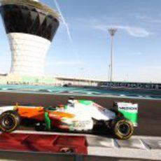 Max Chilton al volante del Force India en Yas Marina