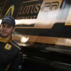 Jan Charouz con Lotus Renault GP en Abu Dabi