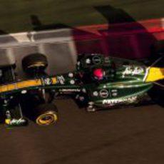 Rossi rueda en los test de Abu Dabi 2011