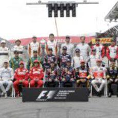 Foto de familia de los pilotos de final de temporada 2011