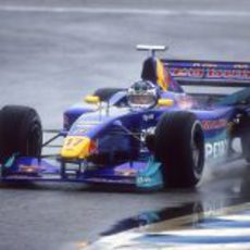 Kimi Räikkönen rueda por primera vez con un Fórmula 1