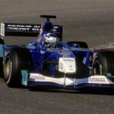 Räikkönen rueda en los test de Barcelona 2001 con el Sauber