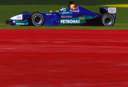 Kimi Räikkönen rueda en el GP de Australia 2001