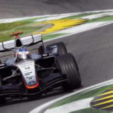 El McLaren de Kimi Räikkönen en el GP de San Marino 2005
