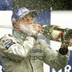Räikkönen celebra su victoria en el GP de Canadá 2005
