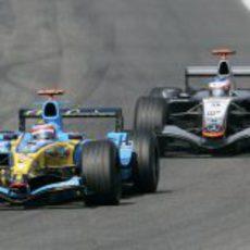 Fernando Alonso y Kimi Räikkönen se jugaron el Mundial de 2005