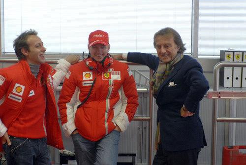 Kimi Räikkönen junto a Luca di Montezemolo en Fiorano en 2007