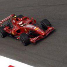 Primeras vueltas de Kimi Räikkönen con un Ferrari