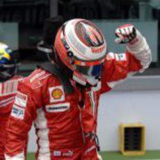 Räikkönen celebra su victoria en el GP de Francia 2007