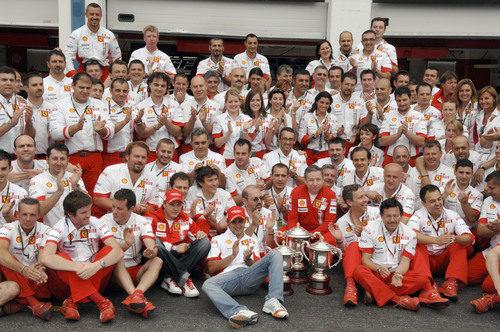 Ferrari celebra la victoria de Räikkönen en el GP de Francia 2007