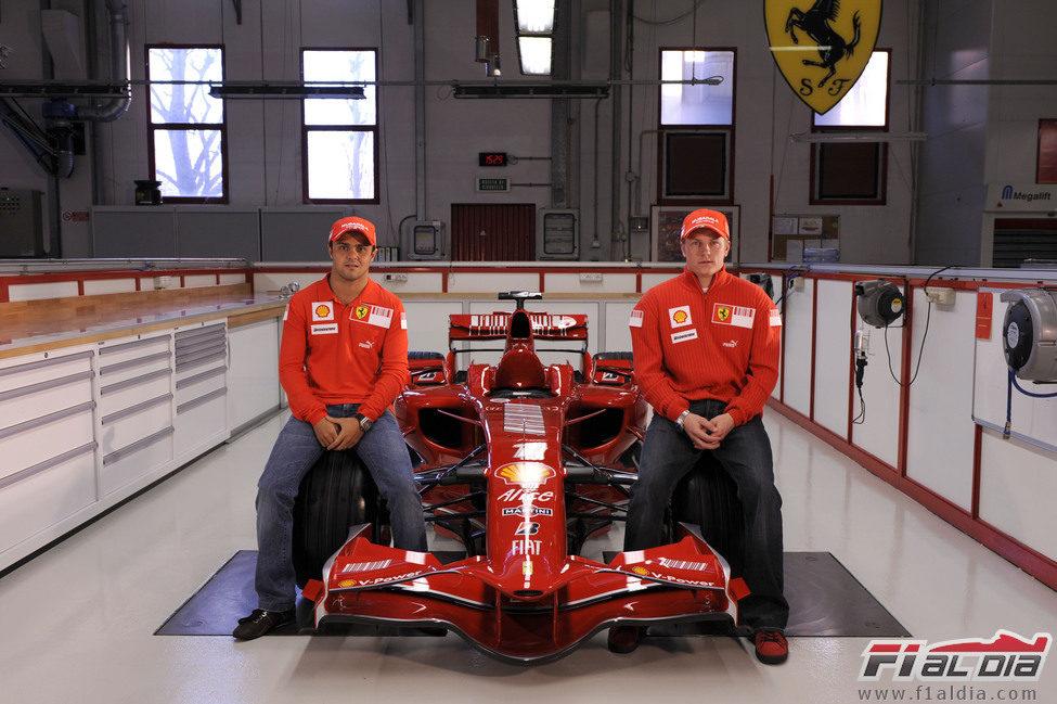 Felipe Massa y Kimi Räikkönen presentan el monoplaza de Ferrari para 2008