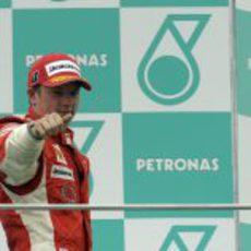 Kimi Räikkönen sube al podio de Malasia 2008