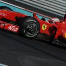 Kimi Räikkonen rueda en el GP de Abu Dhabi 2009