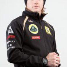 Kimi Räikkönen vestido con los colores de Lotus Renault GP