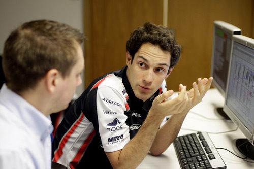 Bruno Senna en la sede de Williams