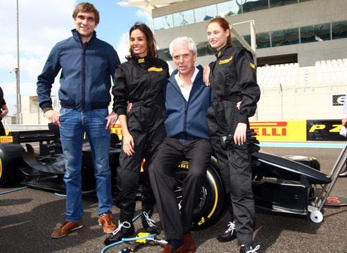 Vitaly Petrov, Inés Sastre, Marco Tronchetti y Bianca Balti en Yas Marina