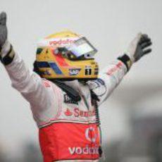 Hamilton celebra su victoria