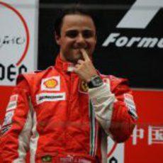 Massa acaba segundo en China
