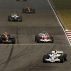 Barrichello lidera un grupo