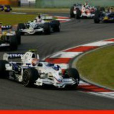 Kubica seguido de Piquet