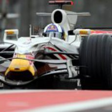 El Red Bull blanco de Coulthard