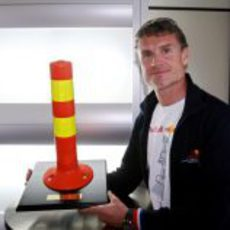 Coulthard con su premio