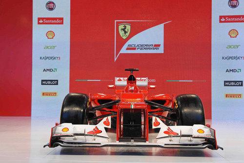 Ferrari F2012, de frente, en Maranello