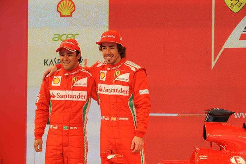 Fernando Alonso y Felipe Massa en la presentación del F2012