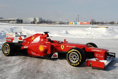 Ferrari F2012 sobre la nieve