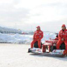 Mucha nieve en Maranello para la presentación del F2012