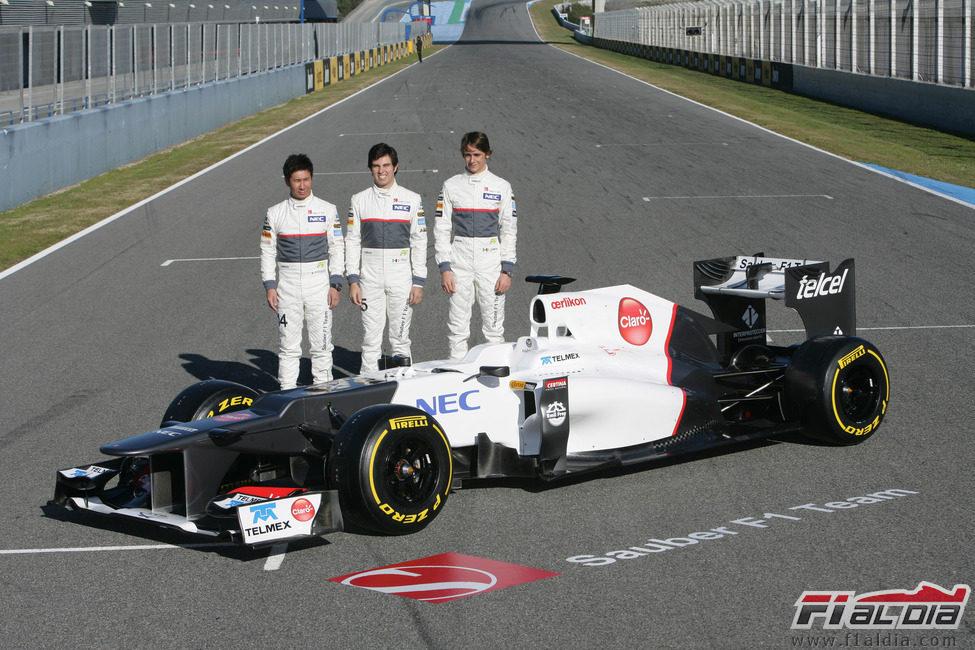 Presentación equipos F1 2012 12187_el-sauber-c31-y-sus-tres-pilotos