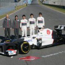Sauber, Kaltenborn, Kobayashi, Pérez y Gutiérrez junto al C31