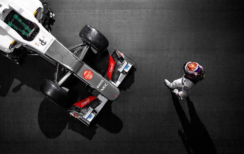 Kobayashi y el Sauber C31 frente a frente