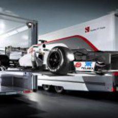 El Sauber C31 en su camión
