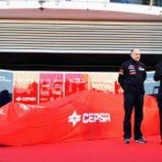 El Toro Rosso STR7 espera ser descubierto