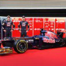 Daniel Ricciardo, Jean-Eric Vergne y el STR7