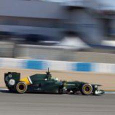Heikki Kovalainen con el Caterham en Jerez