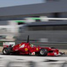 Felipe Massa a toda velocidad en Jerez