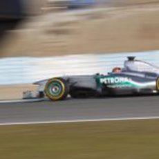 Schumacher prueba los nuevos Pirelli en Jerez